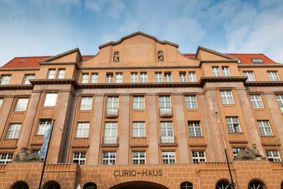 Curio-Haus-Fassade